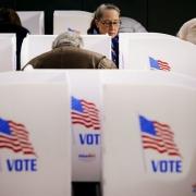 مهدی مطهرنیا: باز هم شانس ترامپ برای پیروزی بیشتر است/ احتمال دارد نظرسنجیها در آستانه رایگیری سوم نوامبر مجددا به نفع ترامپ تغییر پیدا کند 139708151513188815842074 180x180